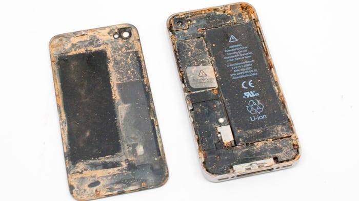 Воздействие минералов на iPhone